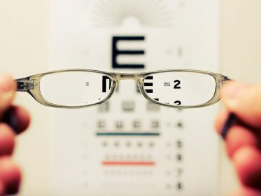 Factors-to-Consider-while-Buying-Spectacles