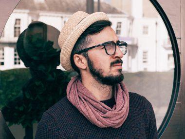 Eyeglasses-Shopping-Tips-for-Men