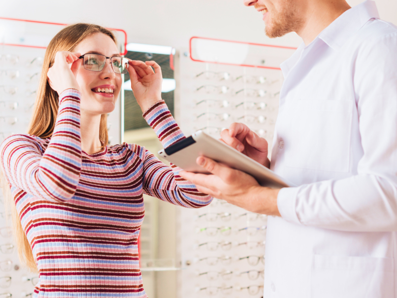 Mistakes to Avoid Before Buying Glasses